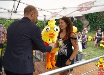 Slavnostní předání šeků k 22. ročníku sbírky Pomozte dětem.